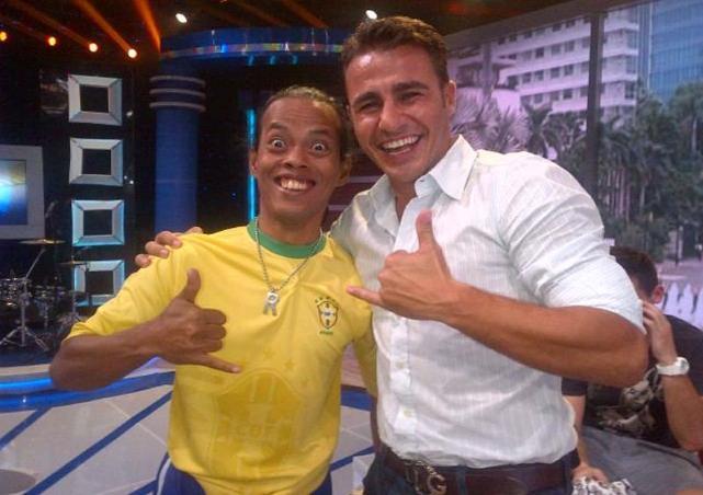 Cannavaro_bola.vivanews.com