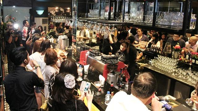 MOMO Restaurant & Bar_kover