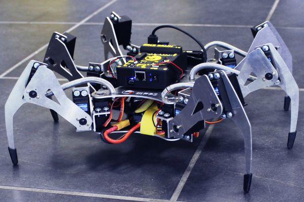 Erle Spider Drone laba-laba berkaki 6 dengan komputer Linux