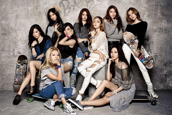 Taeyeon bersama SNSD