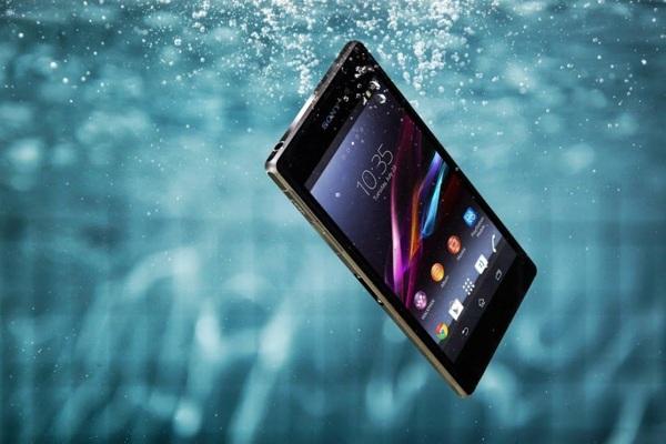 5 Tips mengatasi Handphone yang terendam air