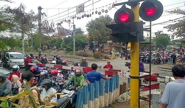 Perlintasan kereta api Bintaro