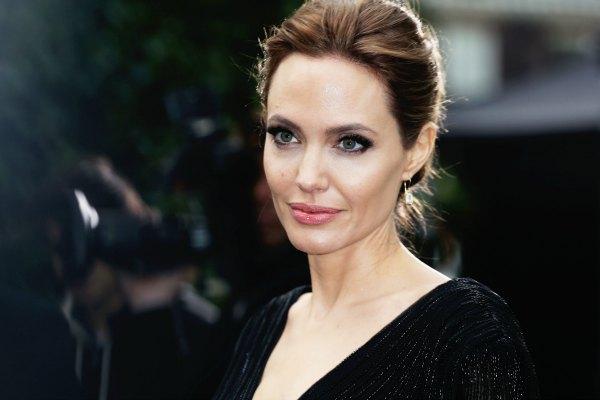 Angelina Jolie berisiko kena alzheimer