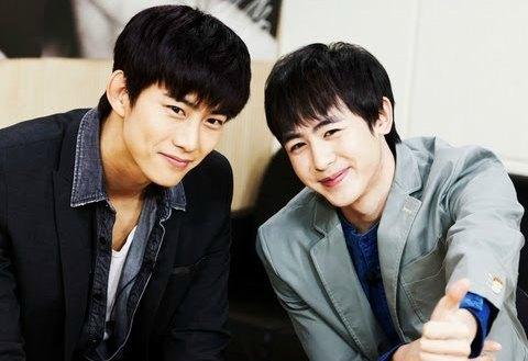 Nichkhun dan Taecyeon