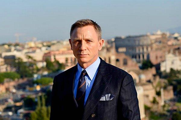 Radio Anak Muda_Daniel Craig