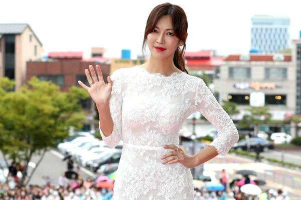 Dunia KPop_Kim So Yeon