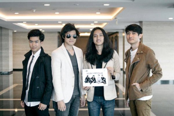 Radio Anak Muda_Kevin and the Red Rose
