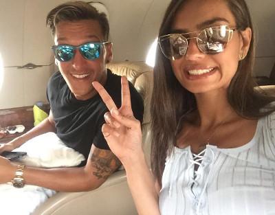 Radio Anak Muda_Mesut Ozil