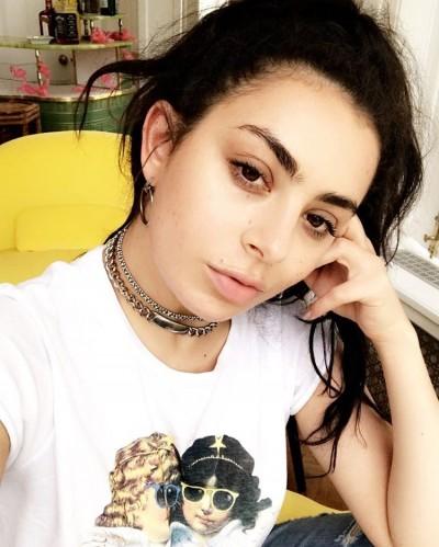 Radio Anak Muda_Charli XCX