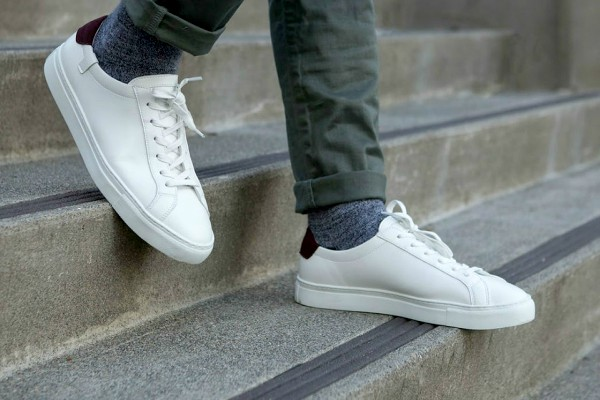 Radio Anak Muda_sneakers