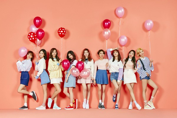 KPop group_TWICE