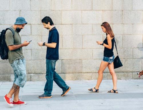 Fitur Baru Google Supaya Lo Gak Main Hp Terus Pas Jalan Kaki